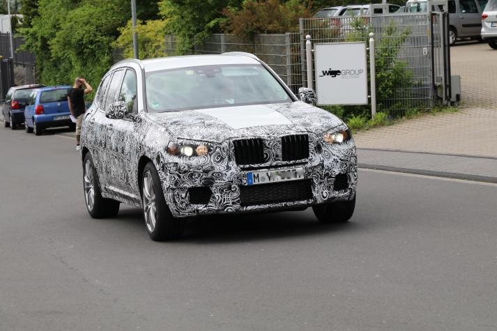 BMW X 3 mit M2 Motor