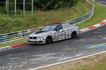 BMW neuer 5er mit V 8 Motor