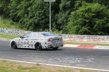 BMW neuer 5er mit V8 Motor