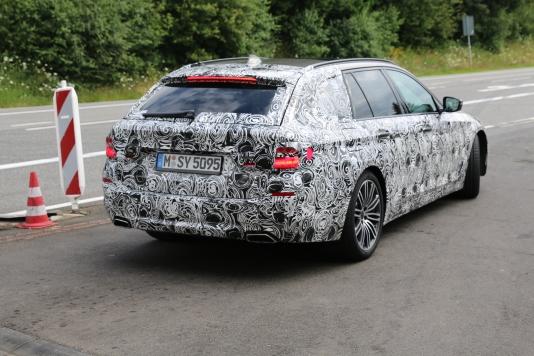 BMW 5er Touring 550 i vollgetankt....