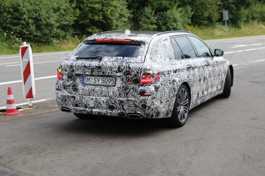 BMW 5er Touring ....... gehts wieder auf die Strecke.....