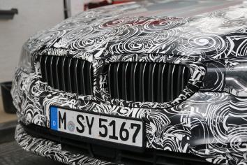 BMW 5er Touring die Niere ist geschlossen... öffnet sich aber bei höherer Temperatur des Kühlmittels...