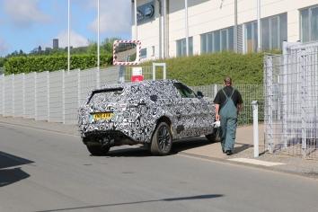 Range Rover Sport Coupe die englische Antwort auf BMW X 6 und ähnliche jetzt auch in der Eifel angekommen.