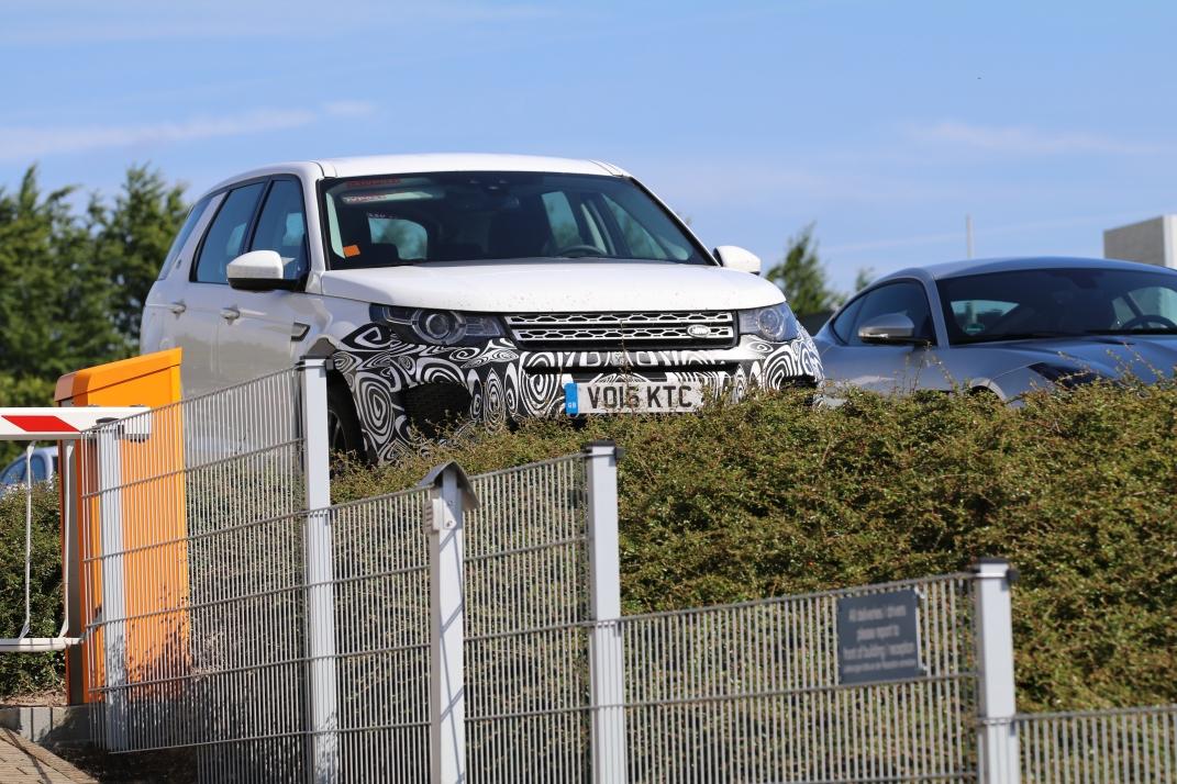 Land Rover Discovery noch etwas getarnt