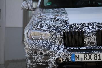BMW X 3 Erlkönig hier mit Matrix Licht