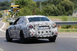 BMW M 5 Erlkönig wird etwas später im Markt eingeführt, aber vermutlich vor dem Touring