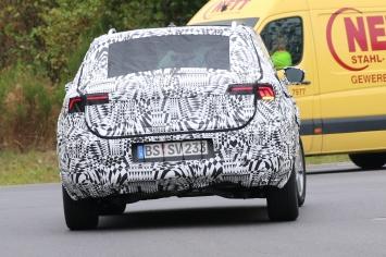 VW Polo SUV Erlkönig wird in 2018 eingeführt werden
