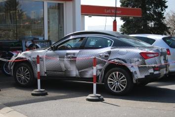 Maserati Levante Erlkönig