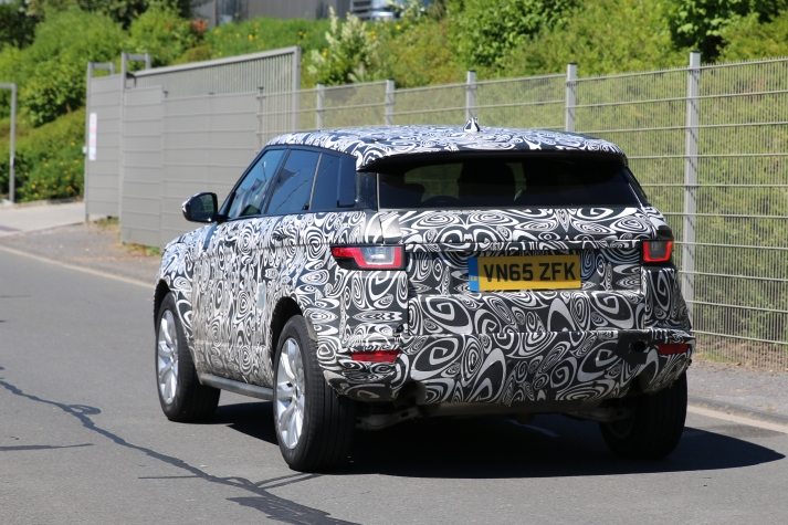 Jaguar neuer kleiner SUV Erlkönig