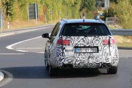 VW Golf R Variant Erlkönig