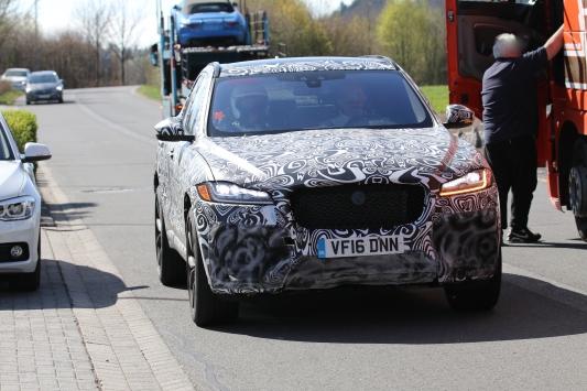 Jaguar F Pace SVR Erlkönig