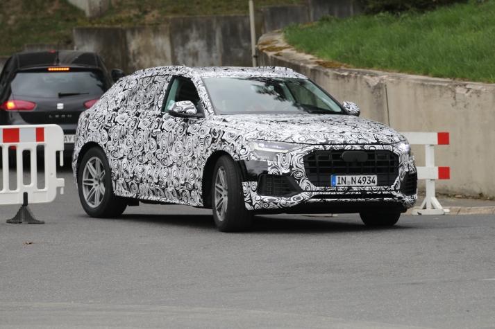 Audi Q 8 mit E-Antrieb Erlkönig