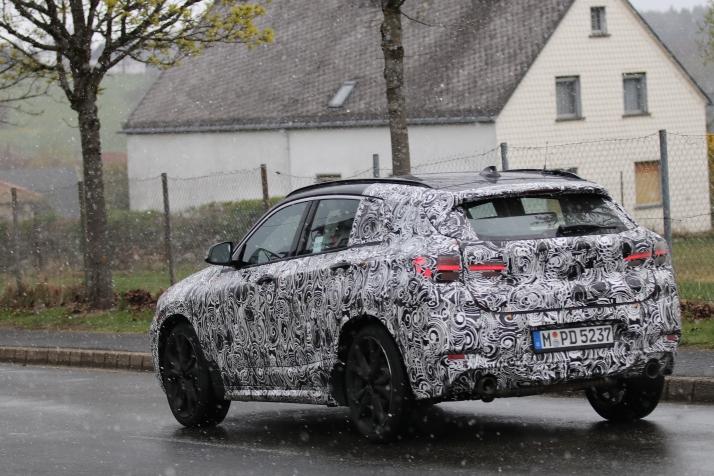 BMW X2 Erlkönig im Schneegestöber Vorstellung in 2018