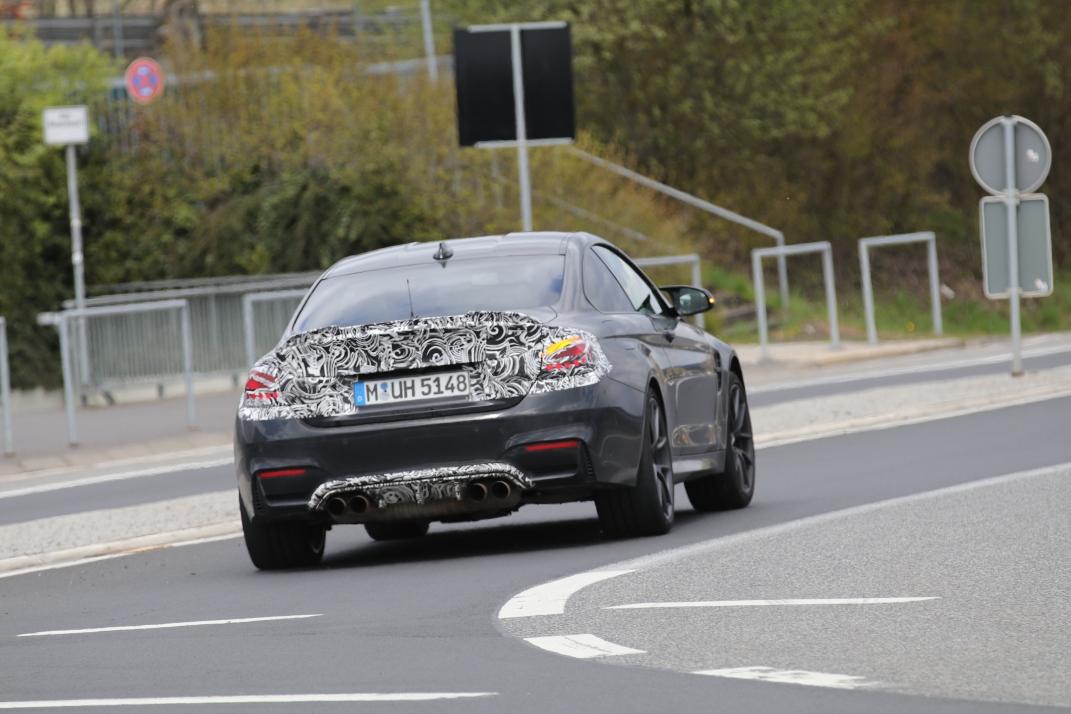 BMW M4 CS Erlkönig bei 280 km/h elektronisch abgeregelt