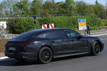 Porsche Muletto für Bentley Continental Flying Spur