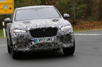 Jaguar F - Pace SVR
