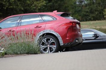 Jaguar F-Pace SVR Klappenauspuff, größere Räder kommt 2019