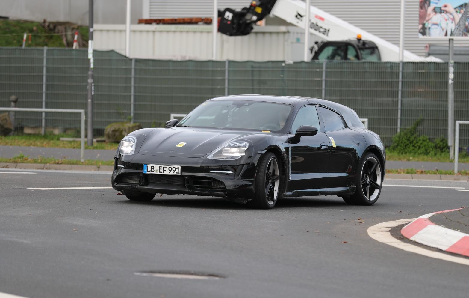 2020 Porsche Taycan | Taycan Sport Turismo 24